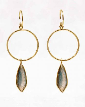 L-earring fancy labradorite on hoop gold plated