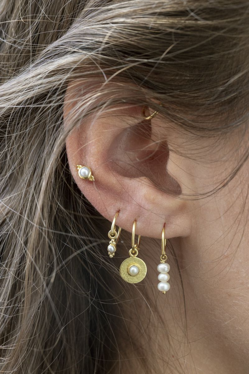 c earring 2mm etnic pearl gold plated