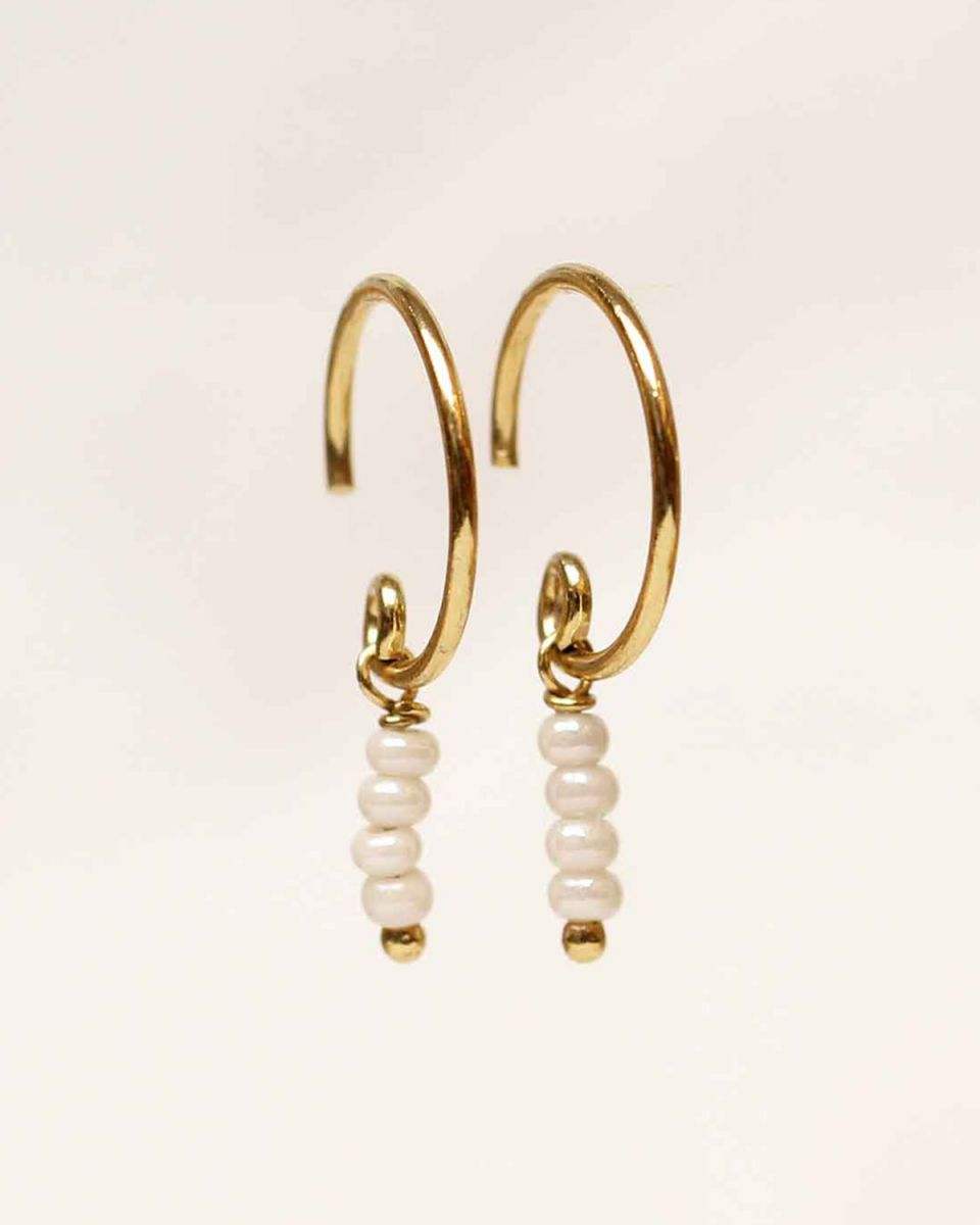 c earring three pearl 2mm stick beads gold plated