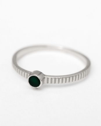C- ring size 52 3mm round 1 dot nefrite