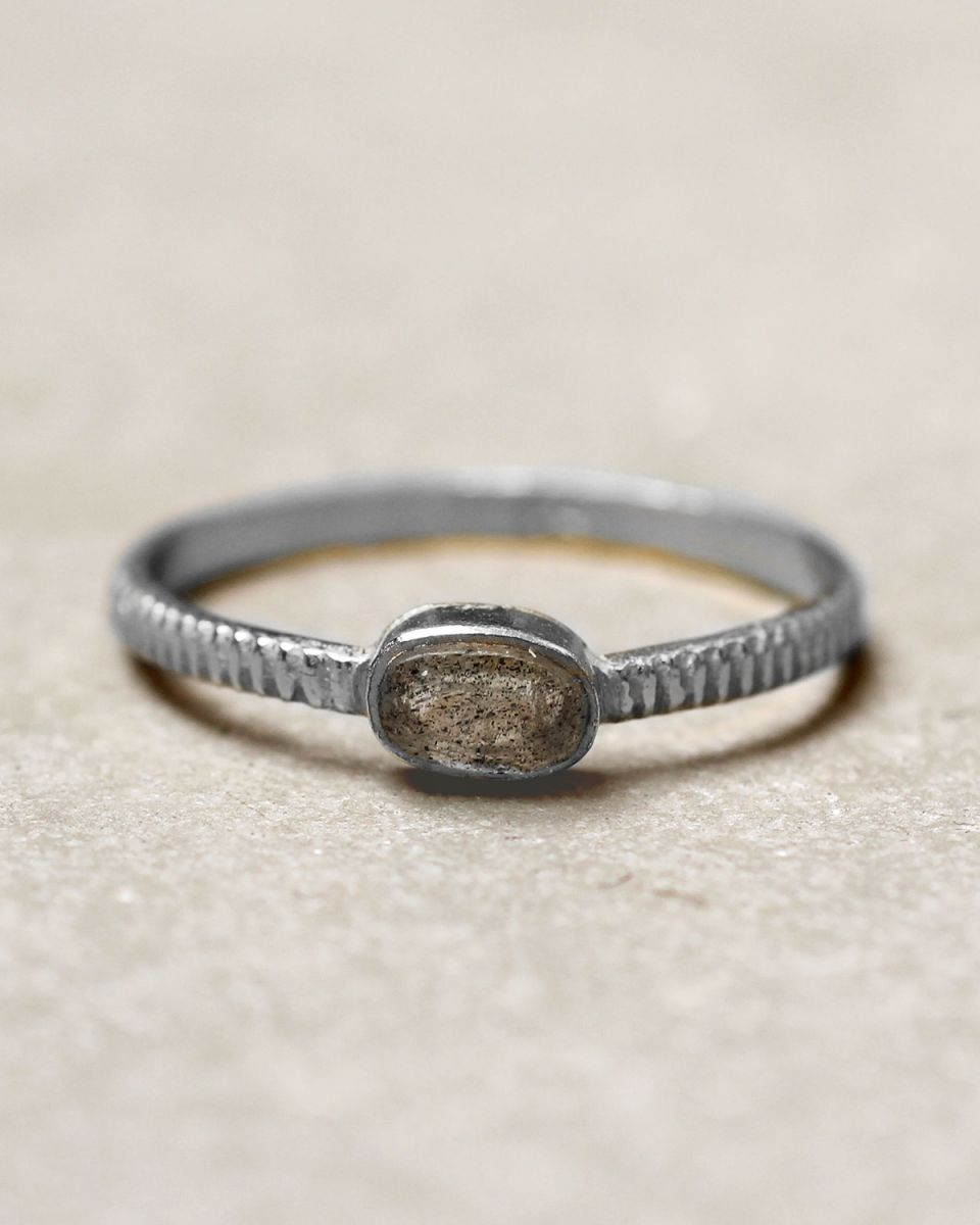 c ring size 52 oval bar labradorite