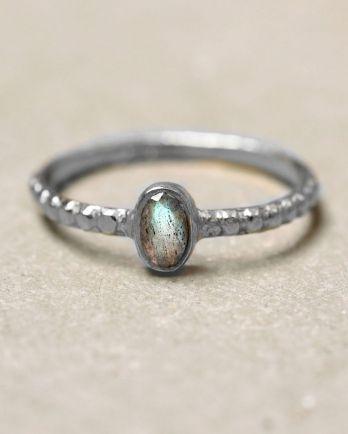 C- ring size 52 oval xs labradorite