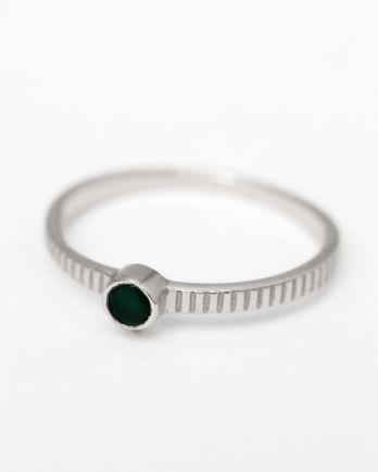 C- ring size 56 3mm round 1 dot nefrite