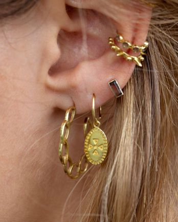 D- earring hanging etnic carved