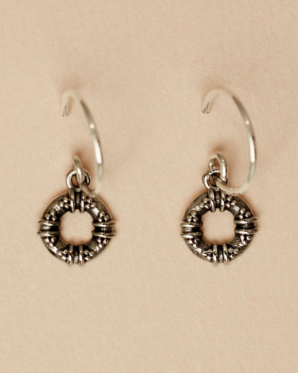 d earring maori circle