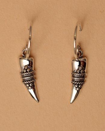 Earring hanging maori tooth