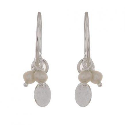 D- earring three pearl beads