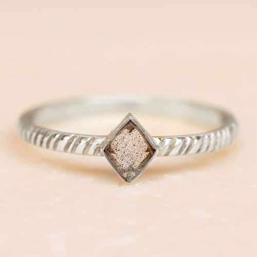 d ring size 54 labradorite diamond striped diagonally