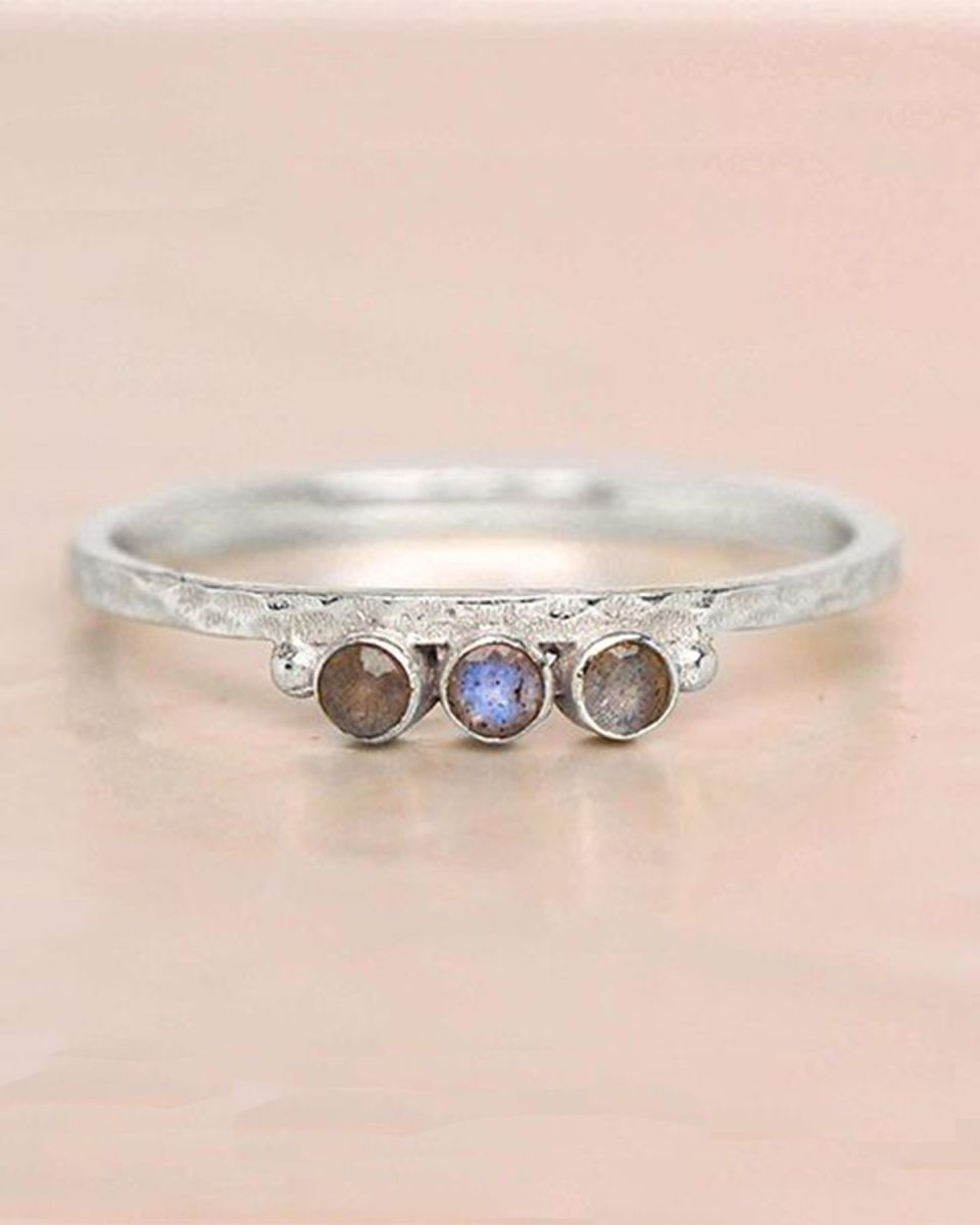 d ring size 54 labradorite three stones two dots hammered