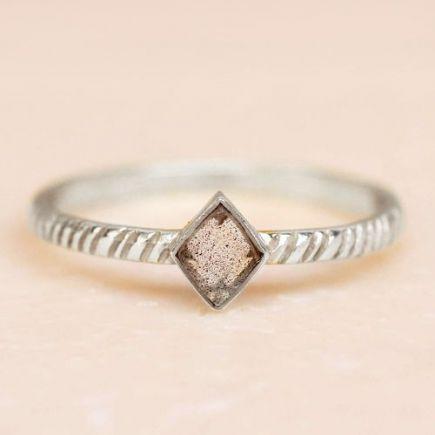 D- ring size 56 labradorite diamond striped diagonally
