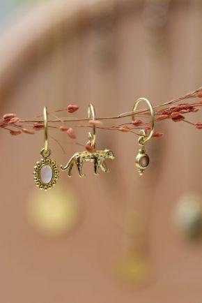 E- earring cheetah
