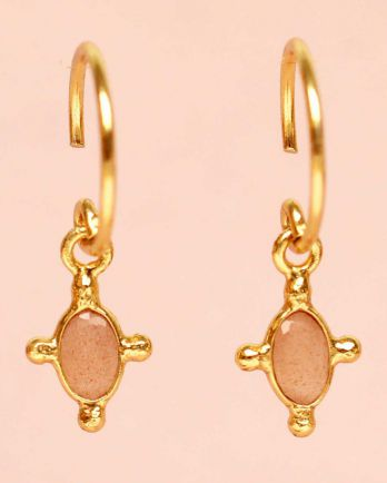 E- earring hanging peach moonstone vertical oval and four si