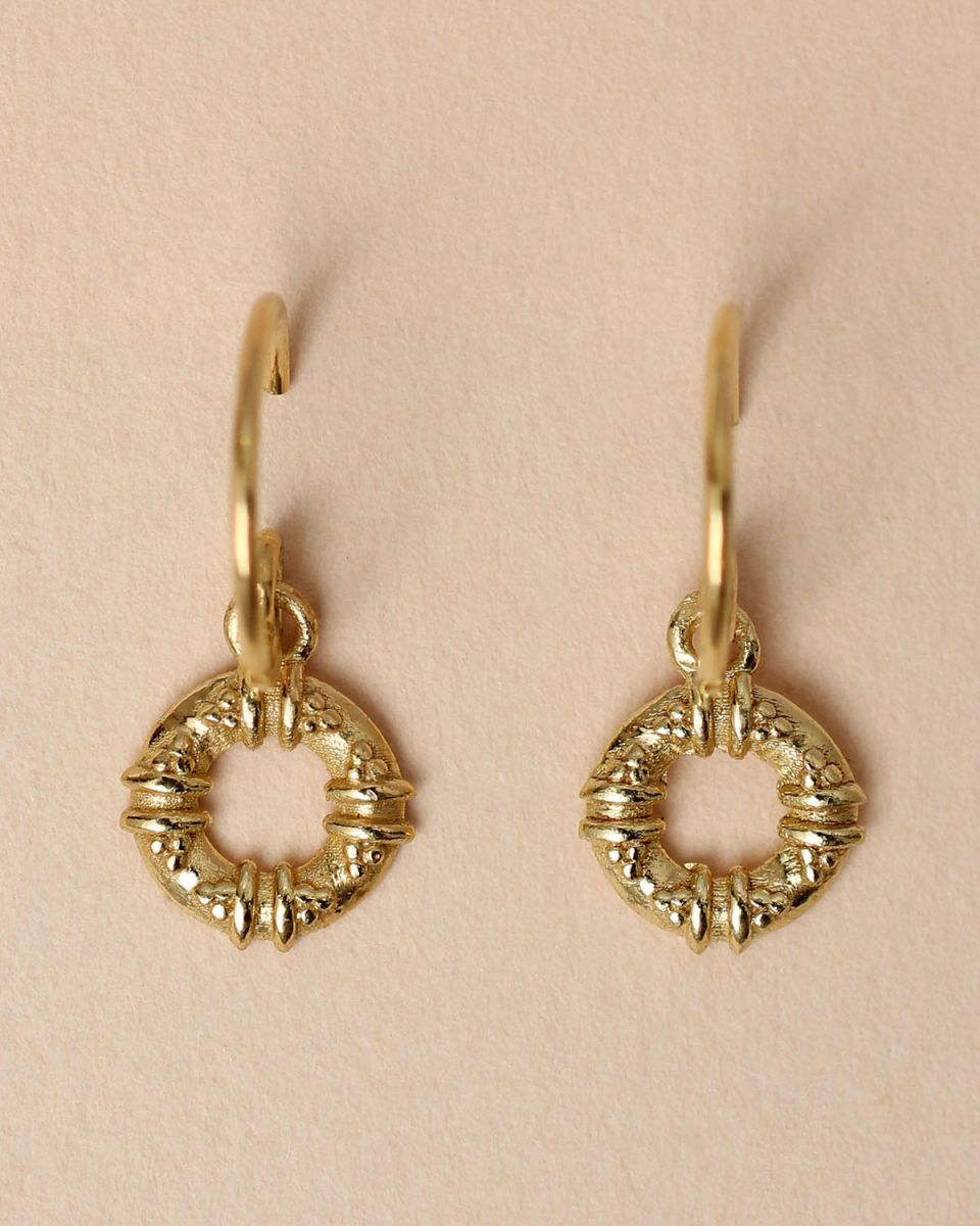 e earring maori circle gold plated
