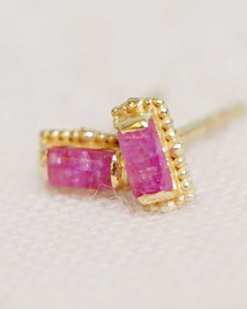 E- earring ruby stud gold plated