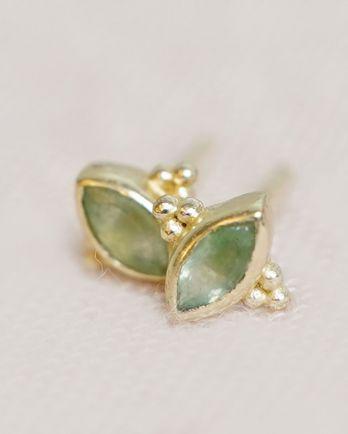 E- earring stud butterfly gem dark nefrite gold plated