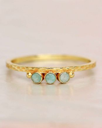 E- ring size 52 amazonite three stones two dots hammered gol