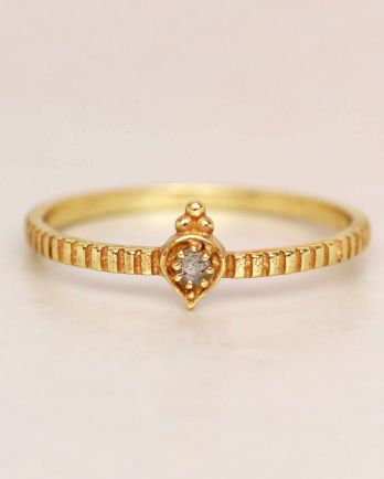 E- ring size 52 labradorite etnic drop striped gold plated