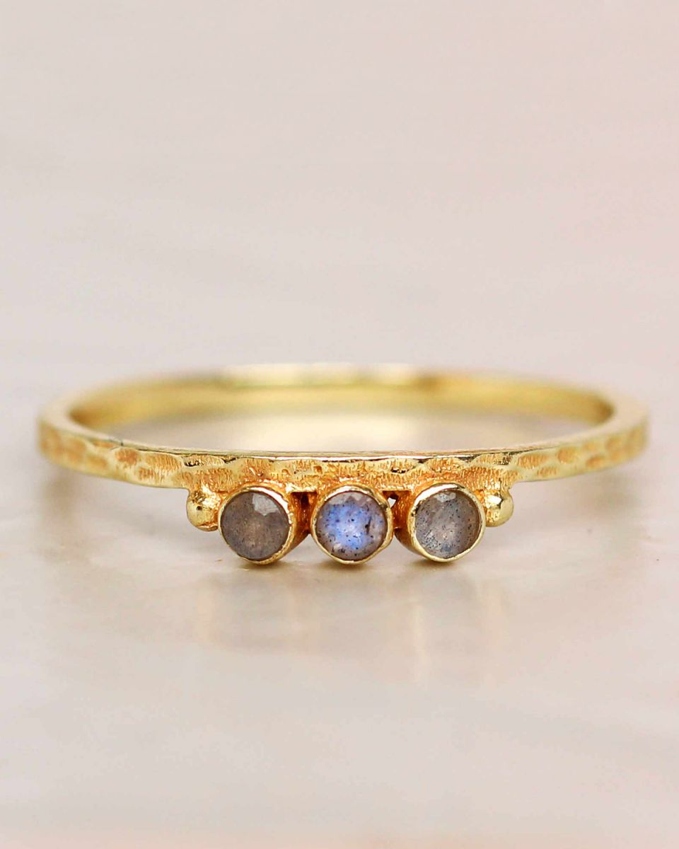 e ring size 52 labradorite three stones two dots hammered g