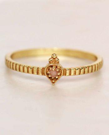 E- ring size 52 peach moonstone etnic drop striped gold plat