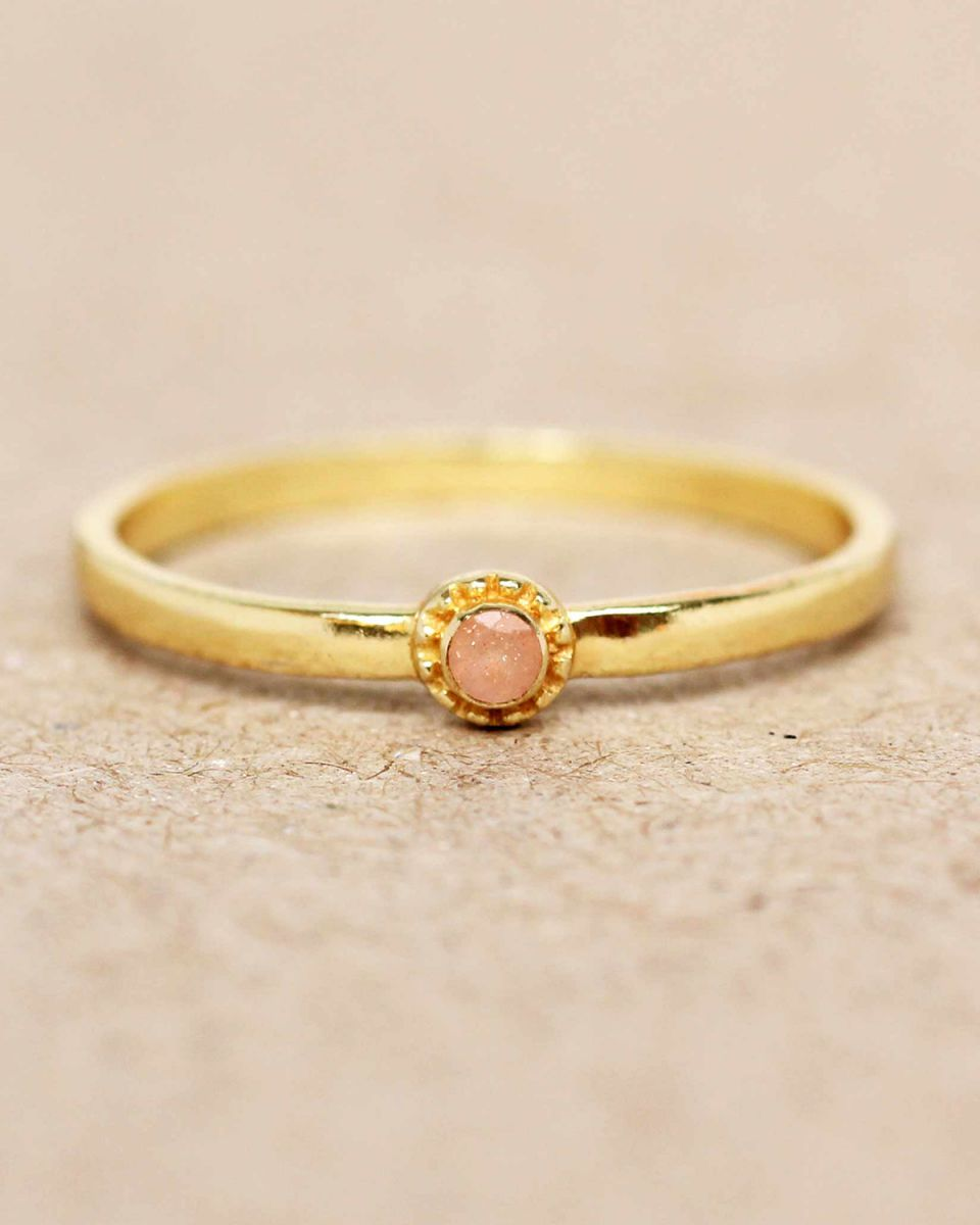e ring size 52 peach moonstone round with stone gold plated