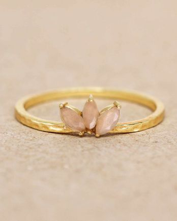 E- ring size 52 peach moonstone three stones leave hammered