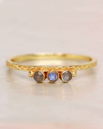 E- ring size 54 labradorite three stones two dots hammered g