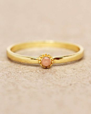 E- ring size 54 peach moonstone round with stone gold plated
