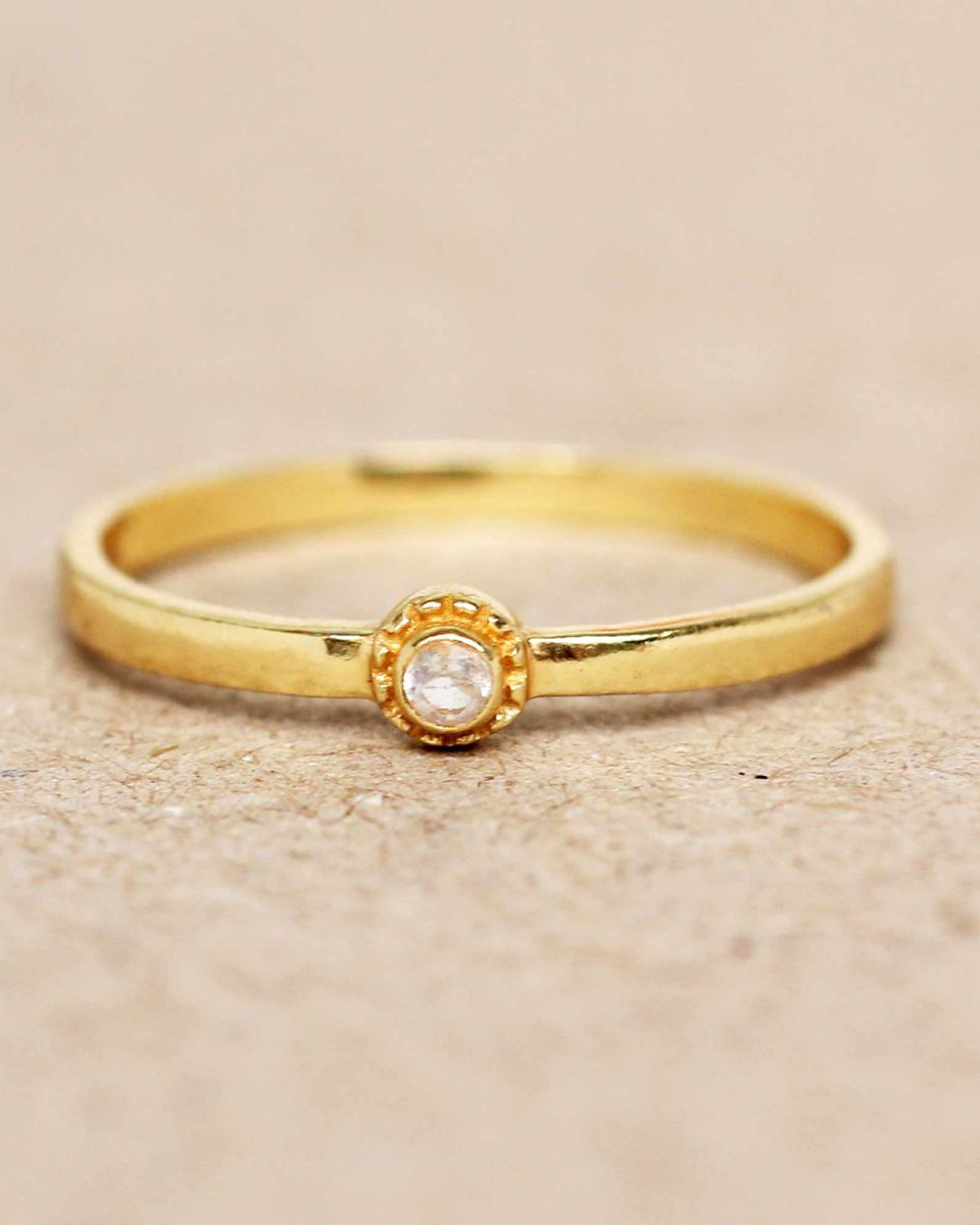 e ring size 54 white moonstone round with stone gold plated