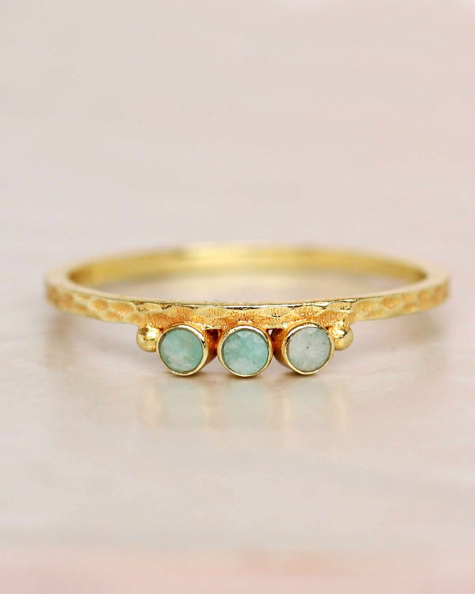 e ring size 56 amazonite three stones two dots hammered gol