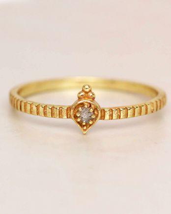 E- ring size 56 labradorite etnic drop striped gold plated