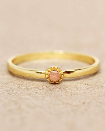 E- ring size 56 peach moonstone round with stone gold plated