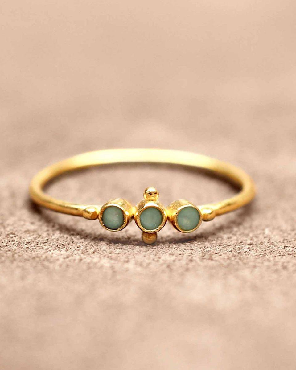 e ring size 56 three amazonite st and small ball gold plat