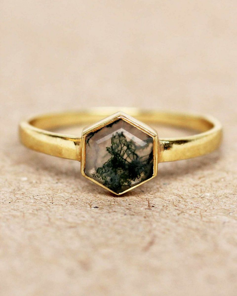 f ring size 52 mos agate hexagon gold plated