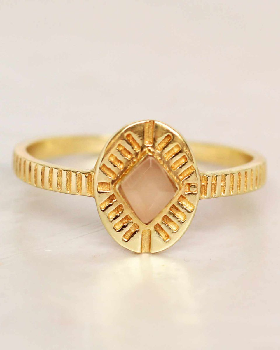 f ring size 52 peach moonstone diamond striped gold plated