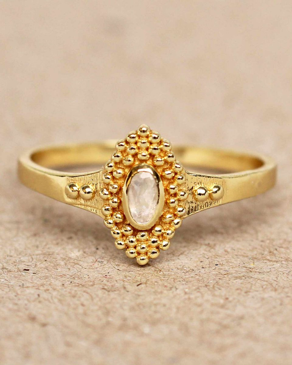 f ring size 52 white moonstone with dots gold plated