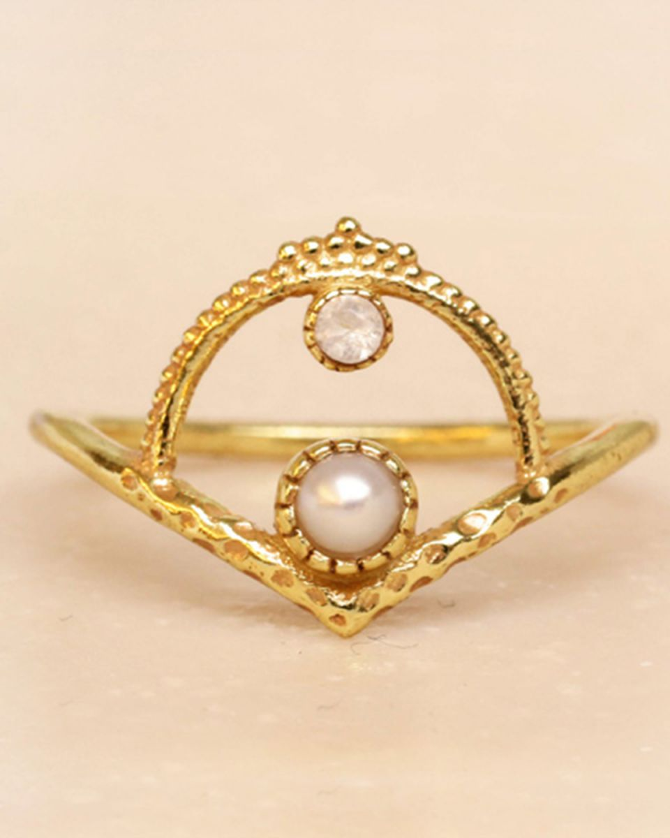 f ring size 52 white pearl and white moonstone gold plated