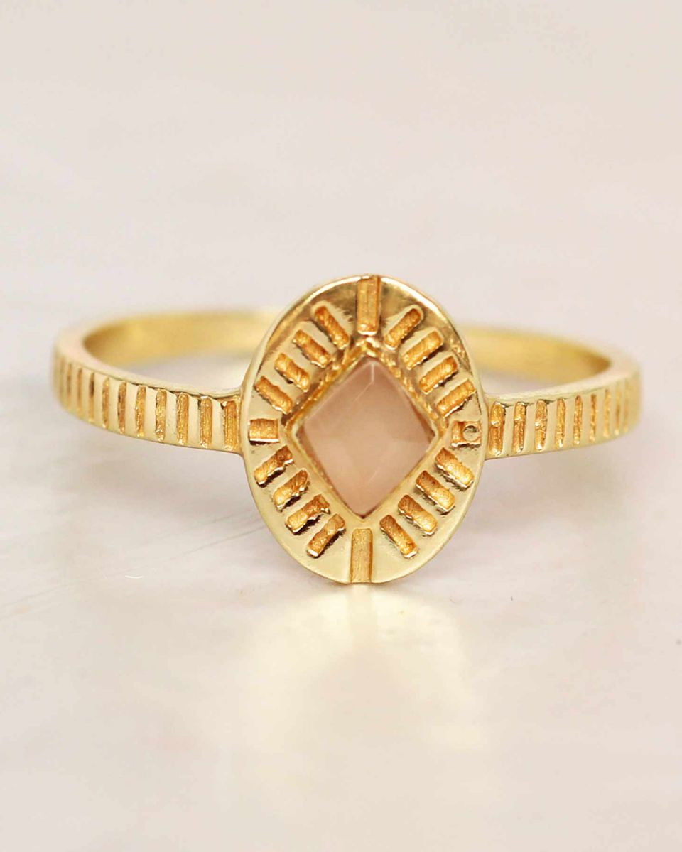f ring size 54 peach moonstone diamond striped gold plated