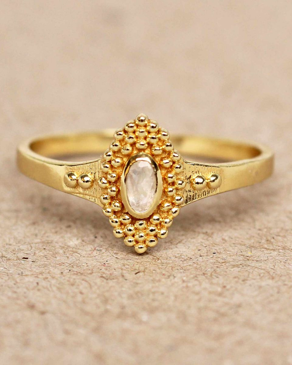 f ring size 54 white moonstone with dots gold plated