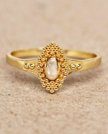 F- ring size 54 white moonstone with dots gold plated