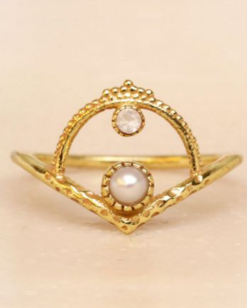 F- ring size 54 white pearl and white moonstone gold plated