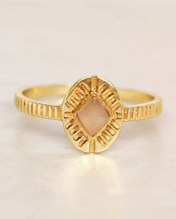 F- ring size 56 peach moonstone diamond striped gold plated
