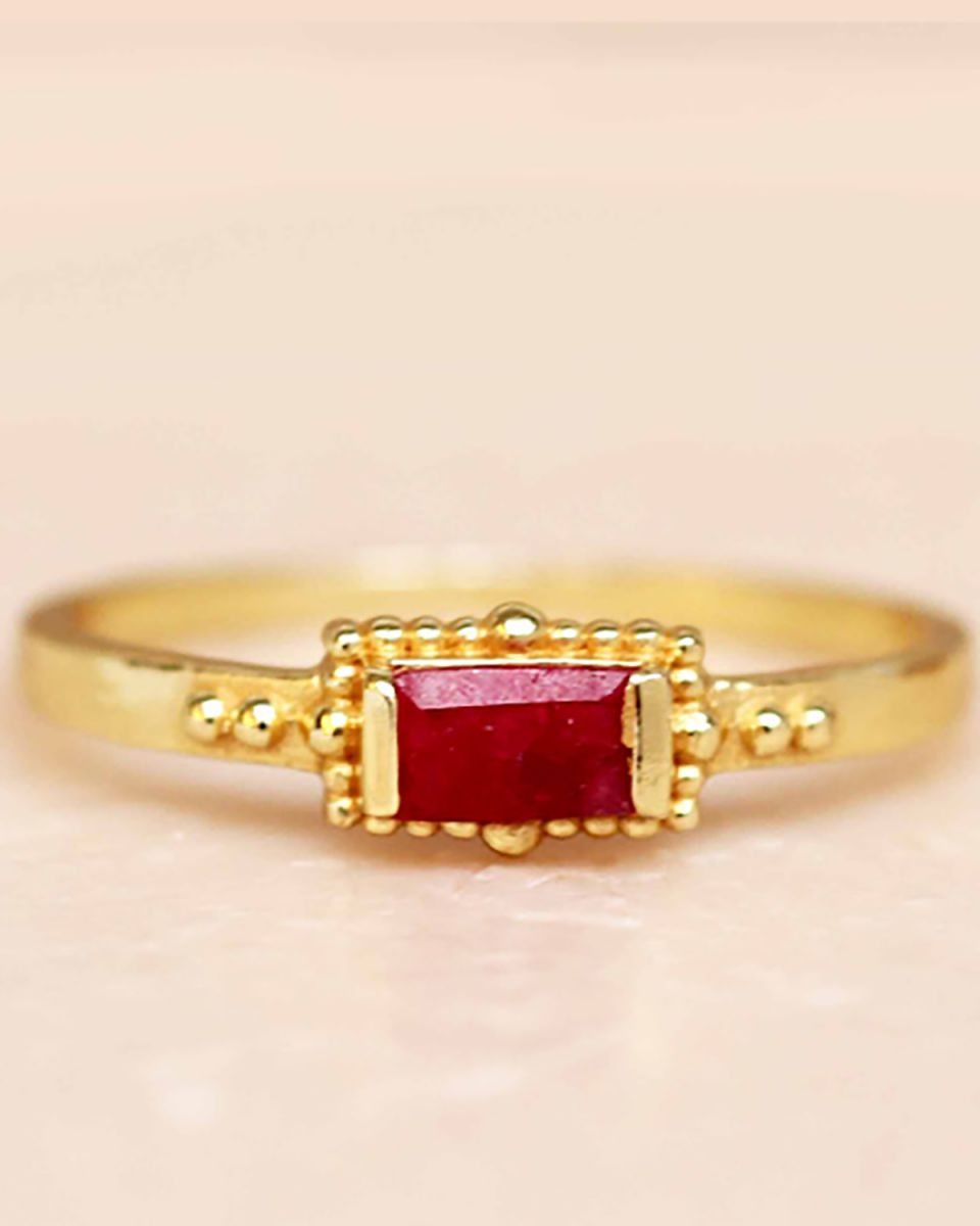 f ring size 56 ruby horizontal rectangle dots gold plated