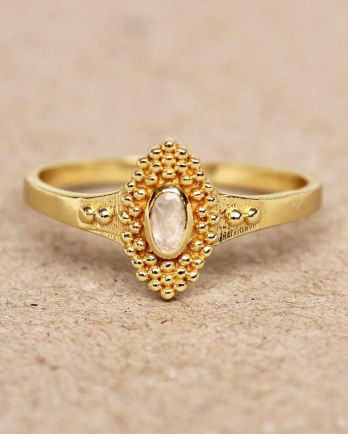 F- ring size 56 white moonstone with dots gold plated