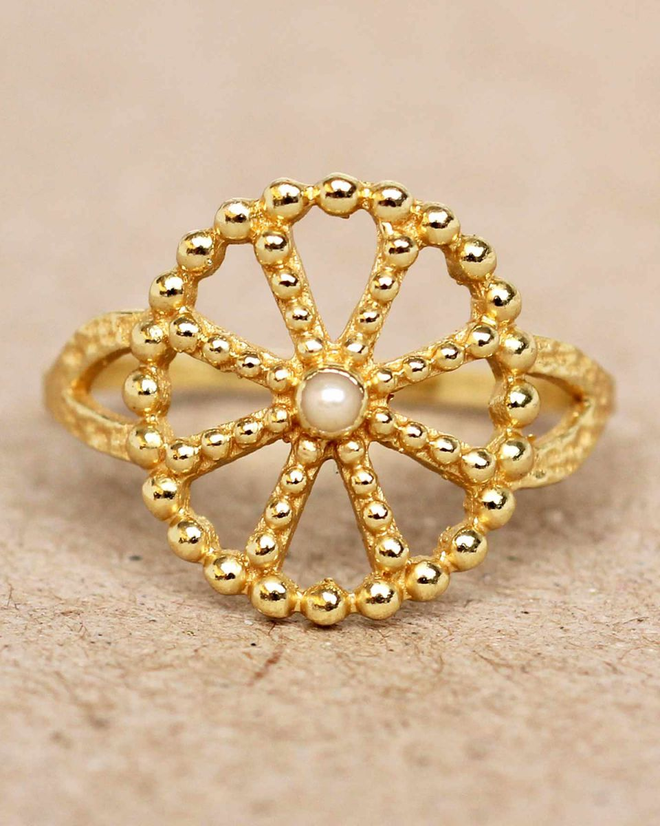 f ring size 56 white pearl wheel with dots gold plated