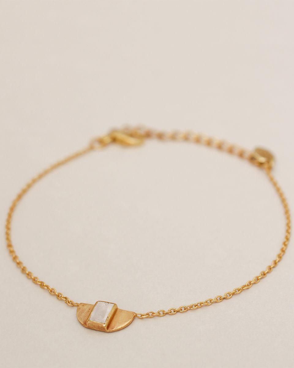 g bracelet egypt white moonstone gold plated