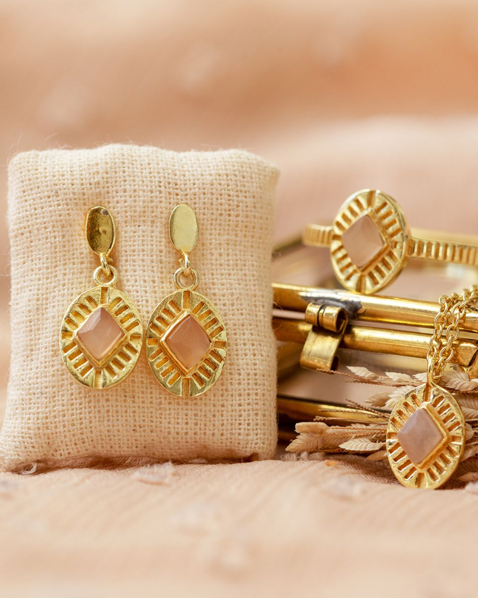 g earring peach moonstone diamond striped gold plated