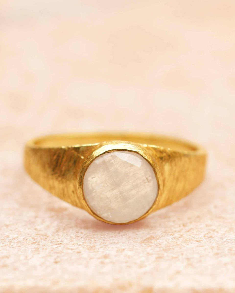 g ring size 50 8mm moonstone signet gold plated