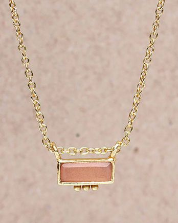 H-collier peach m.st. rectangle three dots 3x8 g. pl. - 45c