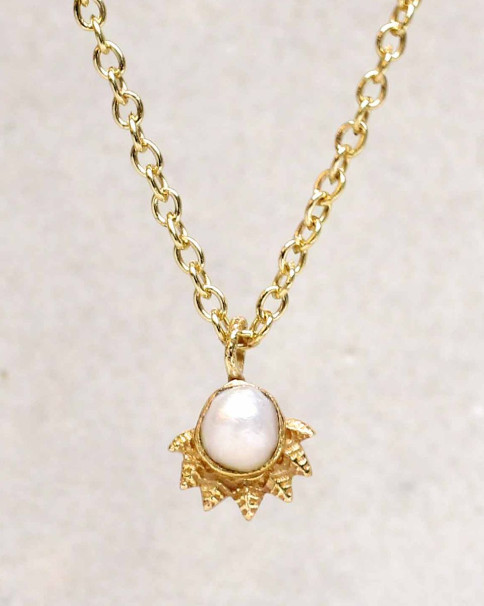 hcollier white pearl dot with crown gold plated 55cm