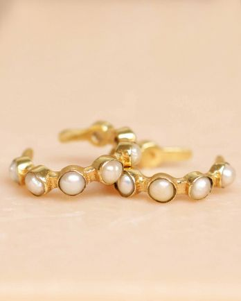 H- earcuff white pearl seven stones gold plated